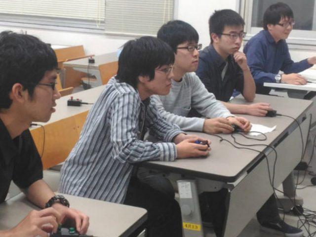 大量の新入生が入ったら、どうしよう?(3)京都大学(Mutius)「2部屋に分ける/1,2回生だけがボタンを押す日/予習問題ラウンド」